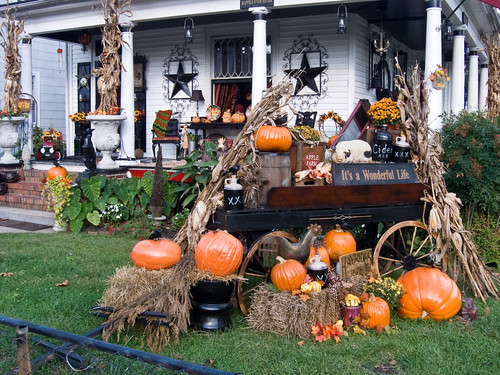 Halloween house decorations in Port Norfolk By formatted_dad on Flickr