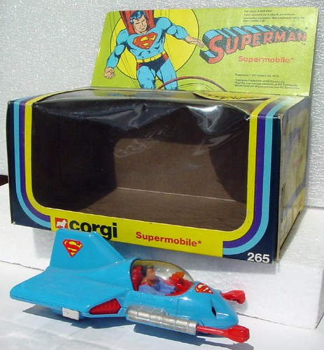 superman_corgisupermobile