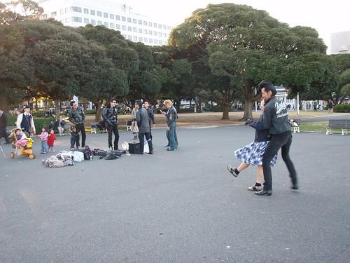 Rockeros en el parque