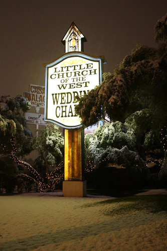 Little Church of the West covered in snow- Las Vegas, NV by Twoleaf from Flickr