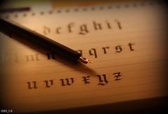Calligraphy (Cobra_11) Tags: christmas pen writing canon calligraphy penmanship canoneos ef50mmf18ii kalem christmaspresent stift stilo kalligraphie fller kaligrafi ef50mm118ii dolmakalem fllhalter canoneos450d digitalrebelxsi