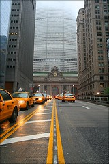 traffic to central station (loop_oh) Tags: new york city nyc newyorkcity usa newyork west building apple yellow coast office am big traffic manhattan cab taxi arts broadway officebuilding bahnhof grand grandcentralstation wtc pan grandcentral westcoast bigapple verkehr panam offices centralstation brutalism beaux beauxarts