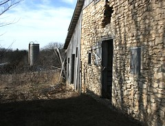 Stone Barn (MarkDunnPhoto) Tags: barn rural decay silo kansas tombstones