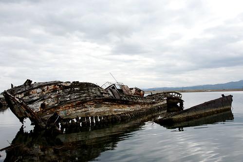 大根島の廃船 (Ver.2009) その2