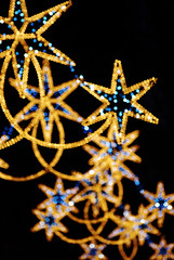 carla bruni:afternoon (visualpanic) Tags: barcelona xmas city blue winter light orange black night navidad luces noche focus dof outdoor bcn ciudad invierno catalunya 2009 nadal nit feelings ciutat llums hivern gener christhmas nel