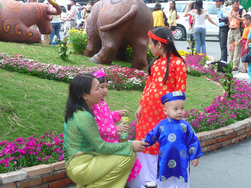 Ao Dai Family on Nguyen Hue