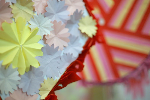 party pull #5: more cutout and folded flowers