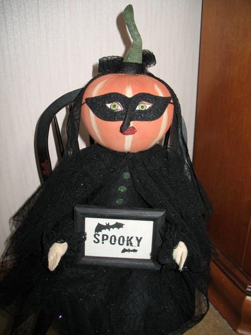 Spooky Lady (2)