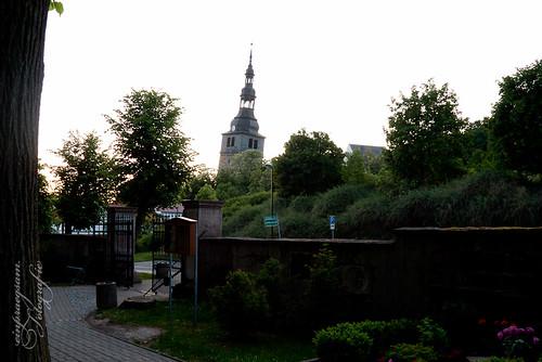 schiefer Kirchturm in Bad Frankenhausen
