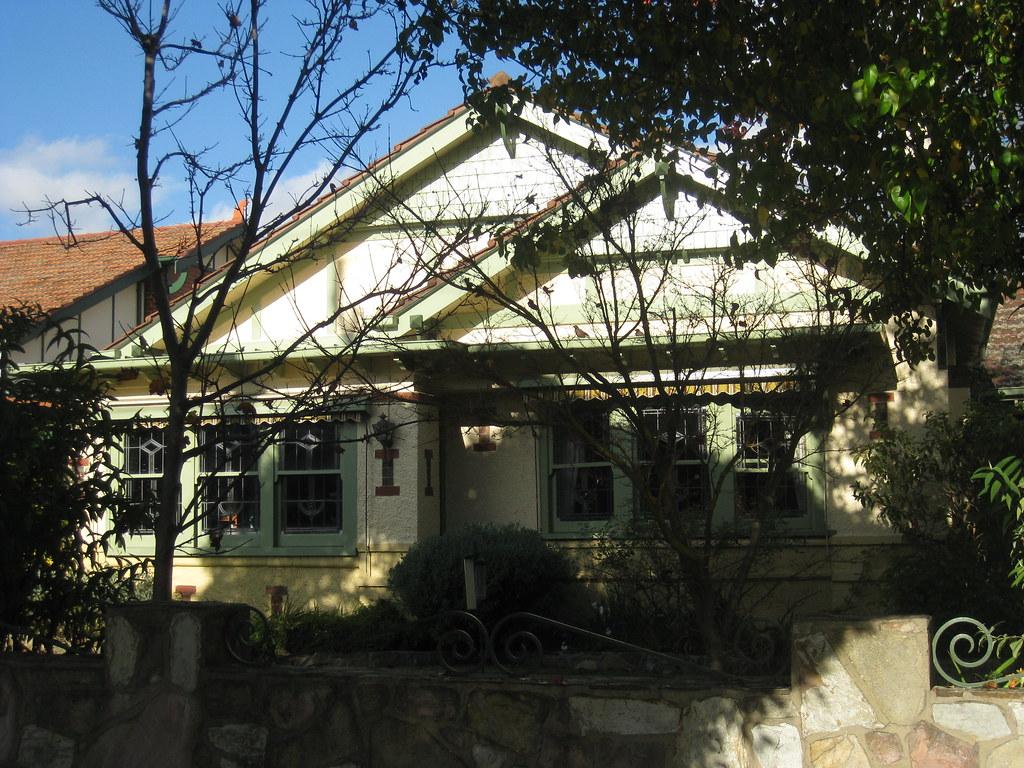 An Arts and Crafts Style Villa - Travancore
