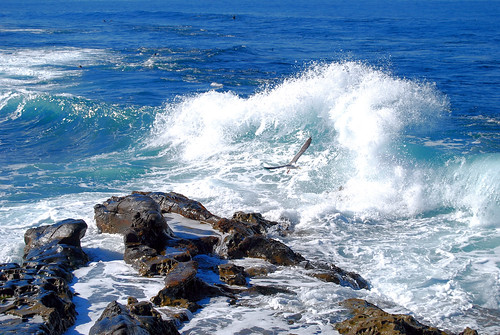 Waves splashing