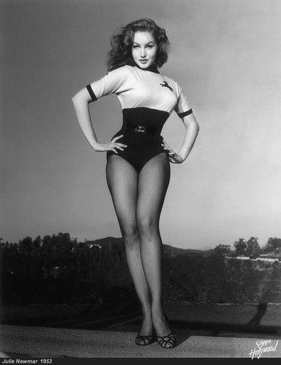 julie-newmar-1953