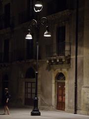 Lampione (DarioPerry) Tags: ombra lamppost sicily luce ortigia lampione ragazza lucieombre luceartificiale photofaceoffwinner pfogold darioperry