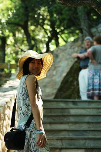 走過115個階梯才能到魯桑奴修道院 (1)