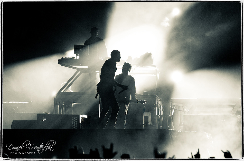 Linkin Park on stage | backlight