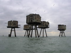 Sea Forts with Seagulls (Shivering Sands, Thames Estuary, England) (Joe Ruffles) Tags: rust wwii artillery secondworldwar worldwartwo antiaircraft thamesestuary maunsellseaforts shiveringsands