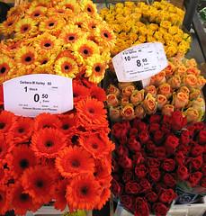 photo - Bamberg Farmers Market 2 (Jassy-50) Tags: flowers roses germany photo farmersmarket market bamberg gerbera outdoormarket bavaria2008