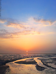 Sunset - Sony Ericson K810i (A.alFoudry) Tags: blue sunset red sea sky orange cloud sun reflection mobile clouds photo sand photographer shine phone mud smoke sony line mobilephone ericson kuwait mobilephonecamera kuwaiti q8 abdullah  810 sonyericson  kuw q80  xnuzha alfoudry 810i  abdullahalfoudry k810i foudryphotocom