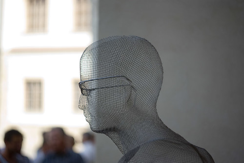 Head made of wire