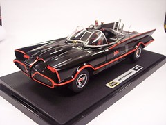 Elite 1966 Batmobile (Film Samurai) Tags: elite hotwheels batman diecast batmantvseries 118scale 1966batmobile