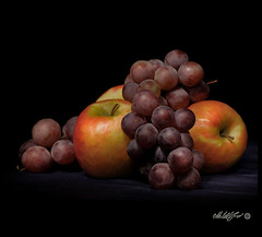 Mele & Uva - Apples & Grape (- Gigapix -) Tags: stilllife lightpainting apple explore uva grape luce mela naturamorta colorsoflife agropoli justonelook cherryontop 100faves 50faves 10faves imagepoetry beautifulshot creativephoto 35faves passionphotography 25faves mywinners mywinner abigfave anawesomesho