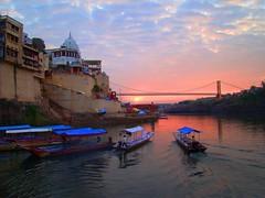 A multicolored sunrise on Narmada (asis k. chatt) Tags: india nature sunrise river fabulous picturesque naturephotography riverlife goldenglobe naturescene omkareswar aplusphoto excapture astoundingimage colorsplosion internationalgeographic magicdonkeysbest magicdonkeybest