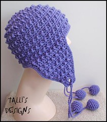 Hori Bobbles Earflap Hat in Lilac (by tallybates)