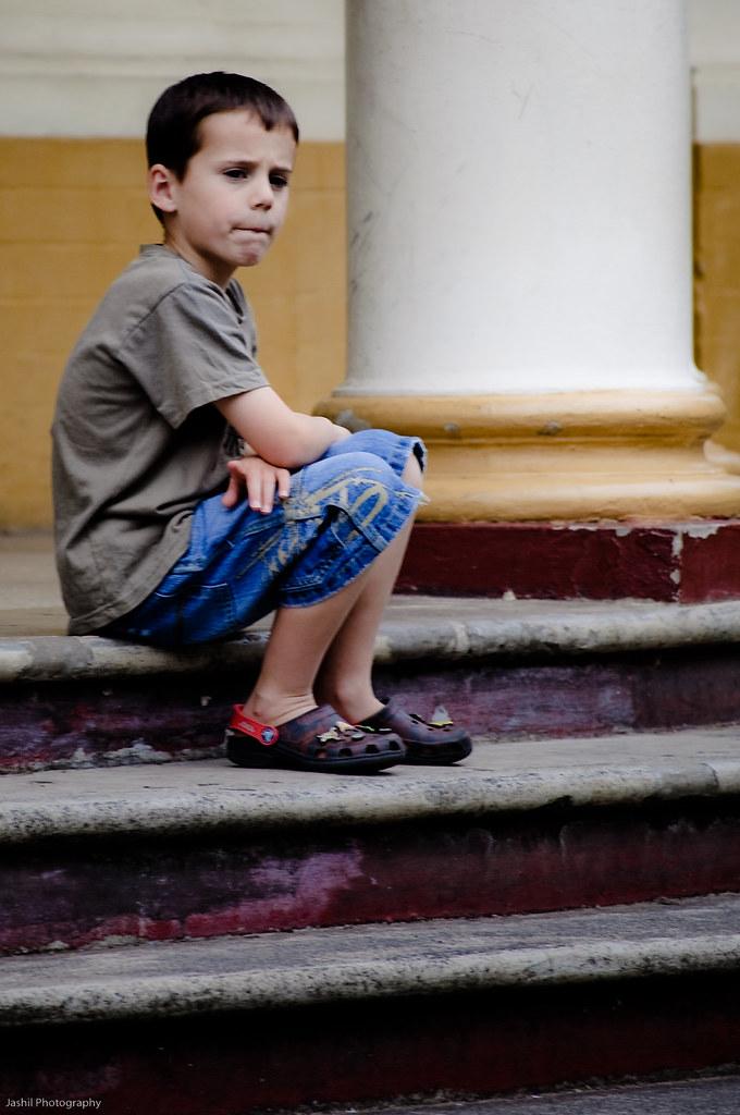 0b77b3364080 Waiting ... (Visual Clarity Photography) Tags  zoo nikon december child  steps