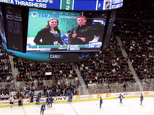 Talking about the liveblog on the jumbotron