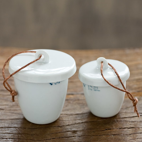salt and pepper cups