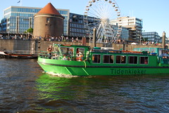 Germany - Hamburg Harbourside & Tidenkieker (Le Monde1) Tags: city sea wheel port germany deutschland nikon harbour ferris league harbourside hanseatic d60 citystate tidenkieker lemonde1