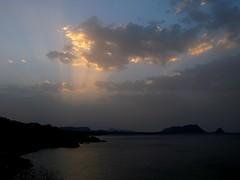 \|// (RoBeRtO!!!) Tags: blue light sunset sea sky sun reflection water clouds tramonto nuvole mare ray beam cielo sicily sole palermo acqua azzurro luce riflesso raggio capozafferano rdpic canong7
