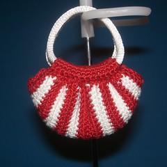 Mini Fat Bag - red & white (jackie_greywolf) Tags: bag handmade crochet fatbag dollbag