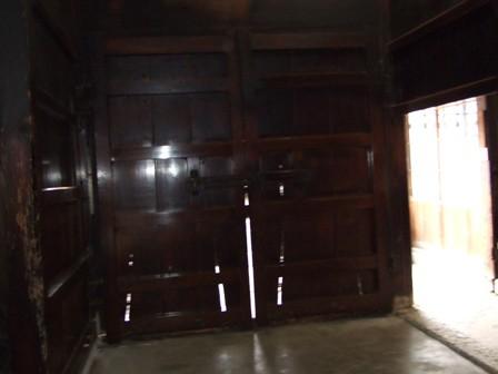 渡邉邸入り口中側
