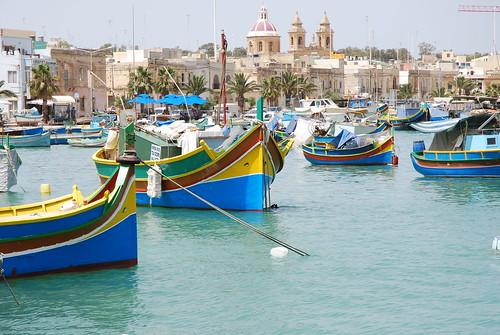 Barche nel porto di Marsaxlokk (Marsa Scirocco) a Malta.