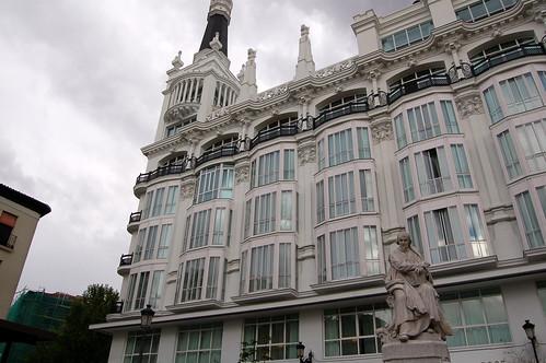 fotos de ana patricia gonzalez. Madrid - Plaza de Santa Ana - Calderon de la Barca - 2631022084_90b8d5ab30_s