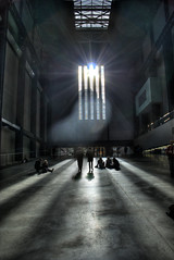 Tate Modern-Turbine Hall (mattmason84) Tags: sun modern concrete hall tate herzog turbine hdr shiningthrough demeuron myfirsthdr