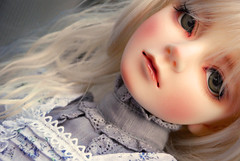 We found you upon the moor, near death..! (nettness) Tags: blue toys grey dolls elizabeth greeneyes f16 blonde bjd dollfie superdollfie volks sd10 abjd arttoys balljointeddoll balljointdoll dollheart leeke heatresistant dollga evecream rocoberry seamelody