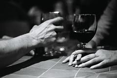 comunque vada (luce_eee) Tags: reflexanalogica canoneos3000 trix400 bn pellicola comunquevada maxgazzè hands glass wine dignitàdischiuma canon50mmf18 portfolio rinaciampolillo luceeee wwwrinaciampolillocom