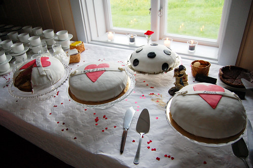 Make Your Own Wedding Cakes.How To Make Your Own Wedding Cake Or Ten With Sugarpaste