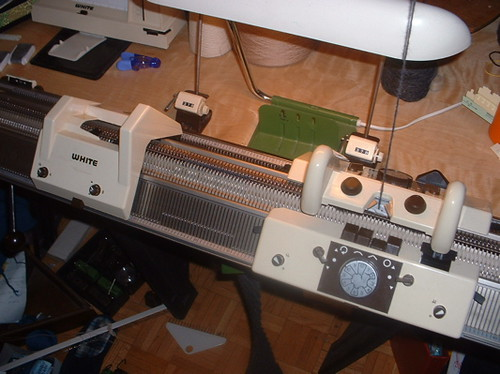 Superba - White Knitting Machine Garter Transfer Carriage #01