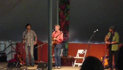 Tao Rodríguez-Seeger, Pete Seeger, Guy Davis