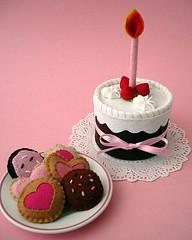 Para a Maria (Slvia Leite) Tags: pink girl cookies cake toy handmade teaparty pretendplay playfood feltfood feltcake