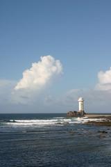 Le Guerveur (Bru42) Tags: faro island insel headlight farol sein phare isla ilha eiland isola le scheinwerfer  grootlicht