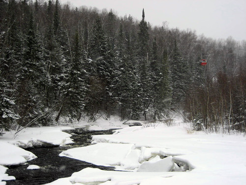 Learn to carve skiing in north