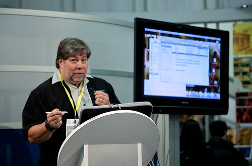 Woz Gives Demo at Axiotron