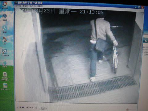 偷车监控录像曝光 - 30秒,一睹偷车贼庐山真面目 13 by you.