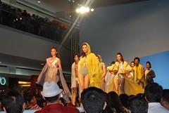 DSC_0067 (gigiv) Tags: philippines 2009 fashionweek mallofasia