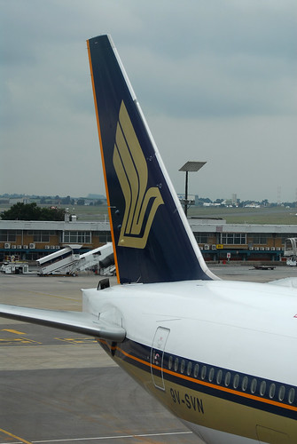 Singapore Airlines Boeing 777-200 9V-SVN