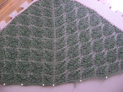 leaf lace shawl beginning